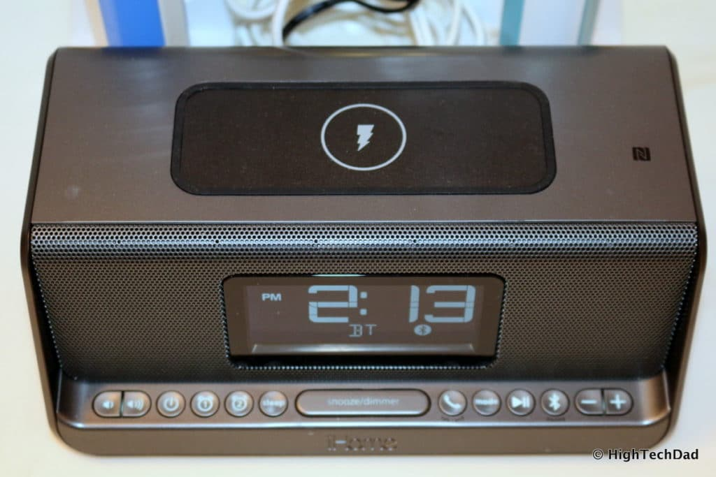 HighTechDad Qi Wireless Charging - iHome iBN350 charge