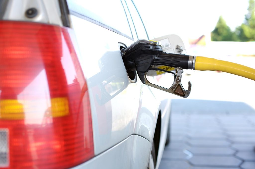 Car Winter Tips - pumping gas