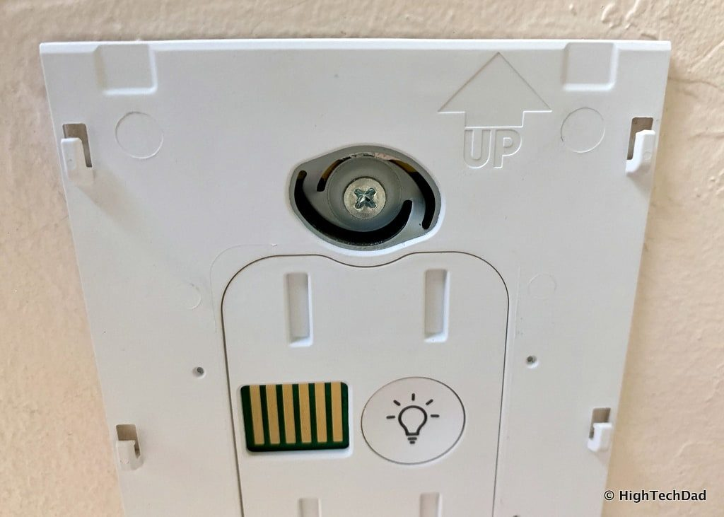 HighTechDad Brilliant Smart Switch Review - innovative screw