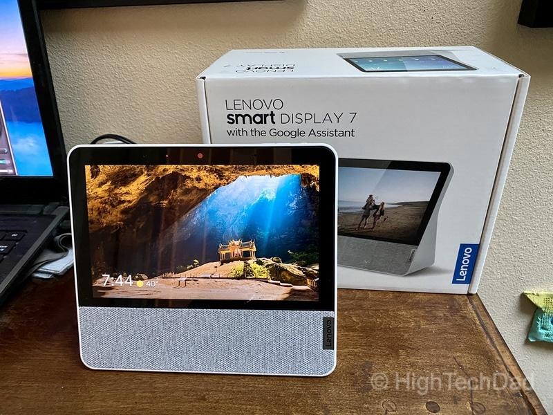HighTechDad review: Lenovo Smart Display 7 - display and box