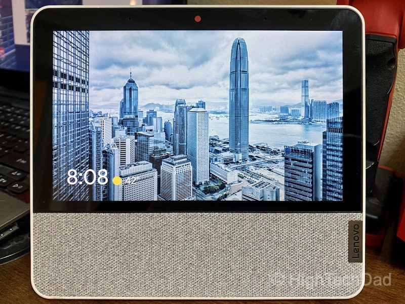 HighTechDad review: Lenovo Smart Display 7 - photographic display